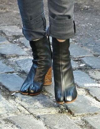 Sarah jessica parker boot close up
